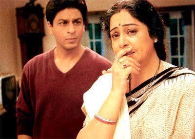 SRK and Kirron Kher in Main Hoon Na (2004)