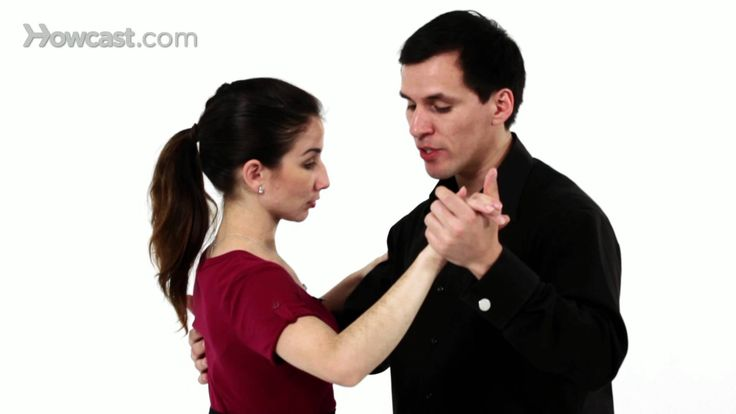 Watch more How to Do the Argentine Tango videos: http://www.howcast.com/videos/505750-How-to-Sacada-Argentine-Tango Learn how to do the pencil, also known as...
