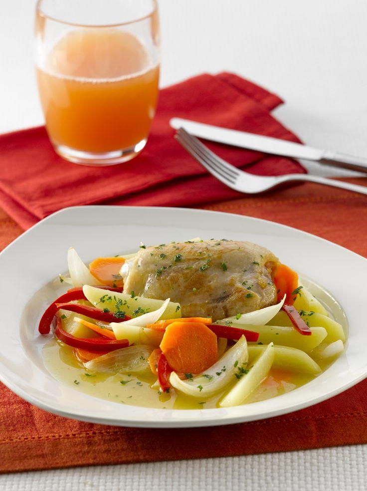 Pollo estofado de la abuela, es un clásico de la cocina, que no puede estar ausente.