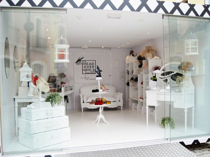 Head Over Heels Pop-up   Spain has that real, fresh spring vibe not only in their fun, ready to wear products but in their open, light design. #RetailDesign #Spain #PopUp