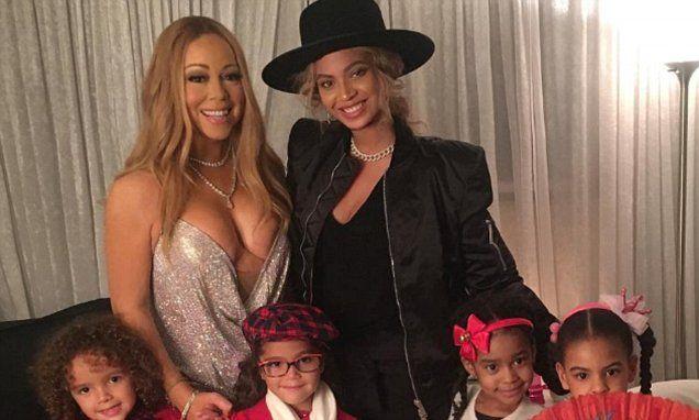 Mariah Carey and her twins take sweet family photo