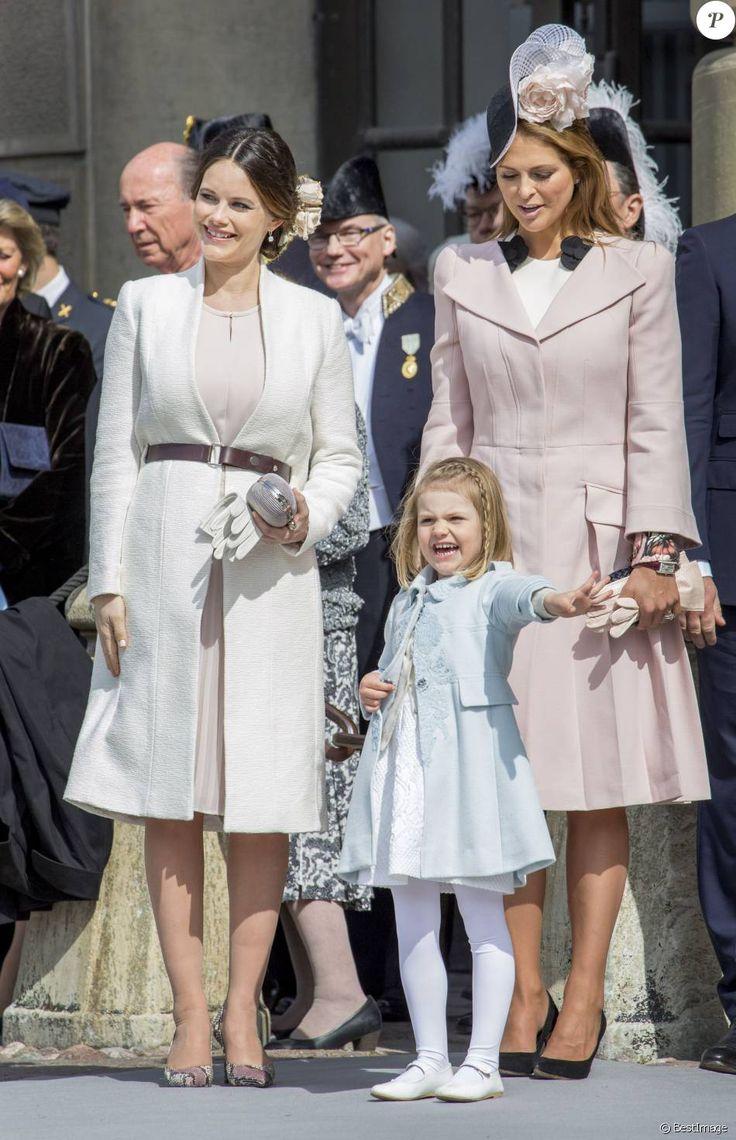 La princesse Sofia (Hellqvist), la princesse Madeleine et la princesse Estelle de Suède - Cérémonie des forces armées suédoises pour le 70ème anniversaire du roi Carl Gustav de Suède dans la cour du palais royal à Stockholm. Le 30 avril 2016