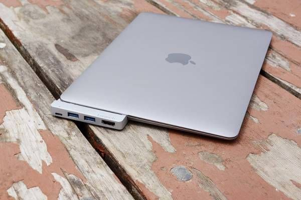 Branch USB-C Hub with Optinal 64GB Storage for New MacBook