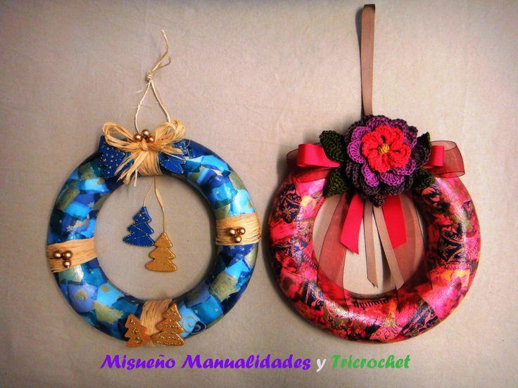 Coronas de navidad de porexspan decorados con papel Décopatch, adornos de madera o flor de ganchillo, hecha por Tricrochet.  www.misuenyo.com / www.misuenyo.es y Facebook Tricrochet