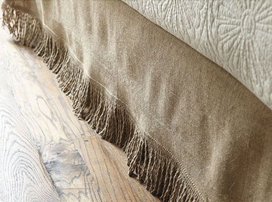 Burlap Bed Skirt. For more ideas on decorating with burlap, go to http://decoratingfiles.com/2012/08/15-ways-to-decorate-with-burlap/