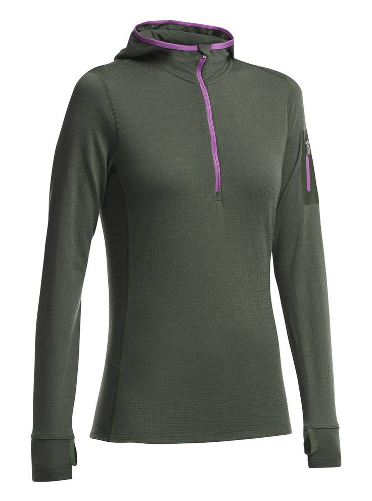 Slim fitting, with a shaped hood, thumb loops and bonded pocket tell you the Terra Long Sleeve Half Zip Hoodie is ready for chilly days skiing limitless vertical. The Terra hoodie doubles as the perfect mid-layer for warmer days. Buy this essential base-layer at CAN-SKI in the village.