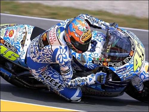 2000 : Honda NSR500 : Team Nastro Azzurro Honda : Mugello--- Still one of my favorite schemes for bike j'adore Valention Rossi!