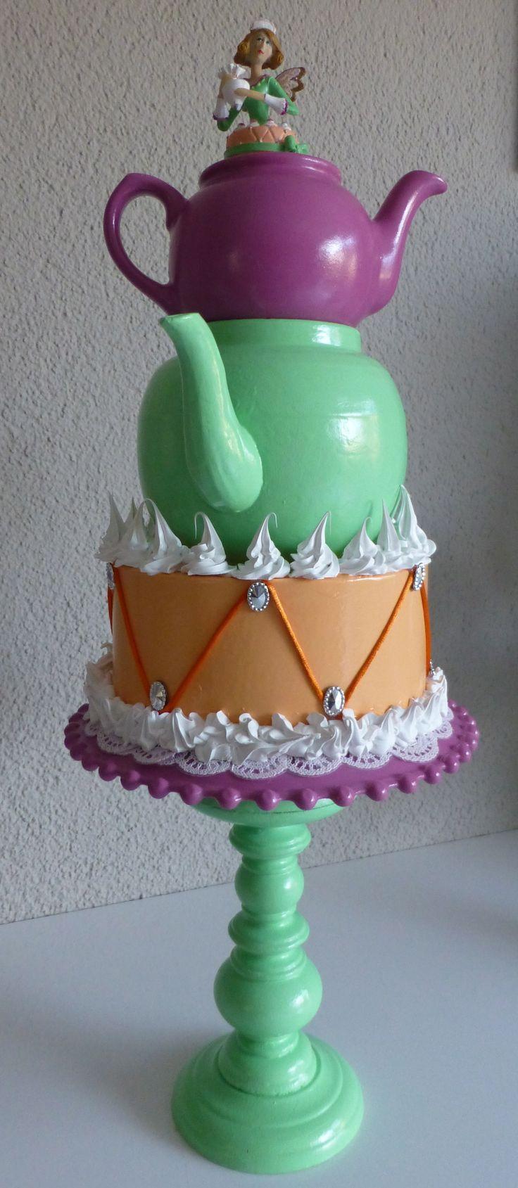 Taart dame Een mooiere blikvanger kun je niet bedenken voor je taarten winkel, etalage of keuken.  marktplaats.nl