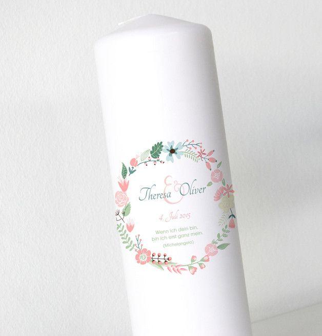 _**Eine Hochzeitskerze gehört für die meisten Brautpaare zur Trauungszermonie dazu. Sie ist ein Symbol der Liebe, Wärme und Geborgenheit und soll in guten wie in schlechten Zeiten Helligkeit und...