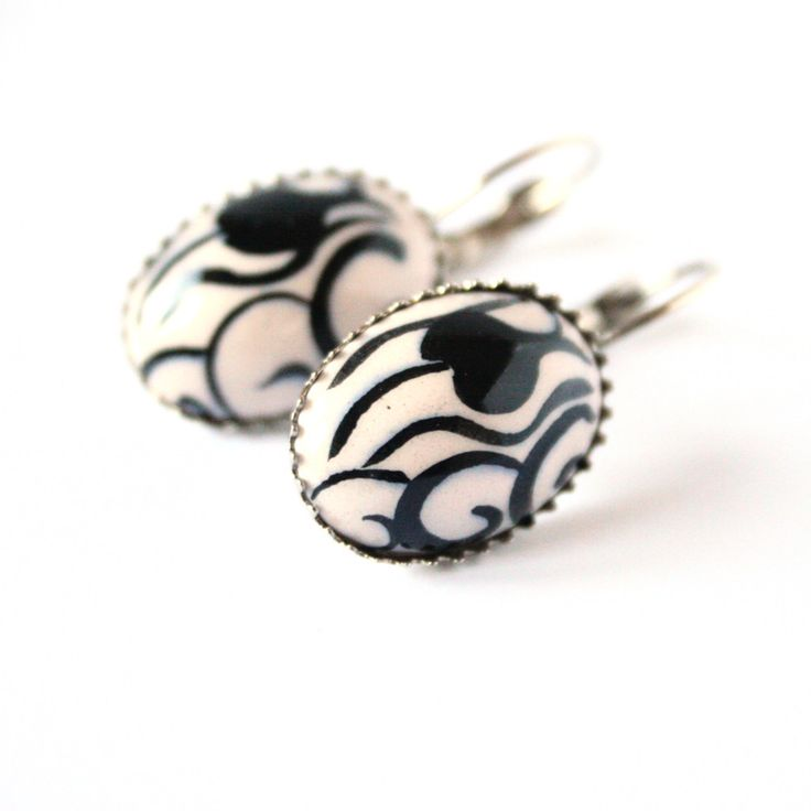 Monochrome Tulip Turkish Ceramic Earrings