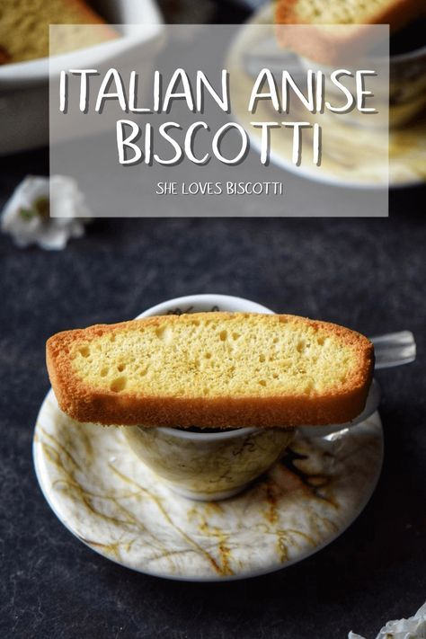 Italian Anise Biscotti    Easy Biscotti recipe    Christmas biscotti    Italian cookies #biscotti #holiday #baking #Italian #christmascookie #cookies #hostessgift #anisebiscotti via @Loves_biscotti