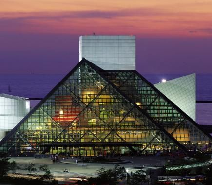 From the Rock and Roll Hall of Fame to exotic botanical gardens, Cleveland offers a thriving cultural and entertainment scene.