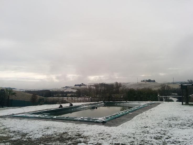 #buonconvento #casavacanzefornace #neve #vistapiscina #paesaggio #inverno #valdorcia #montalcino  *** www.casavacanzefornace.it ***