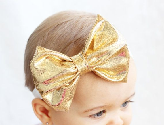 wholesale boys and girls accessories make overall look perfect Children's fashion accessories have now become a fashionable feature that gives the child a unique style look. Every outfit now comes with matching accessories that round off the