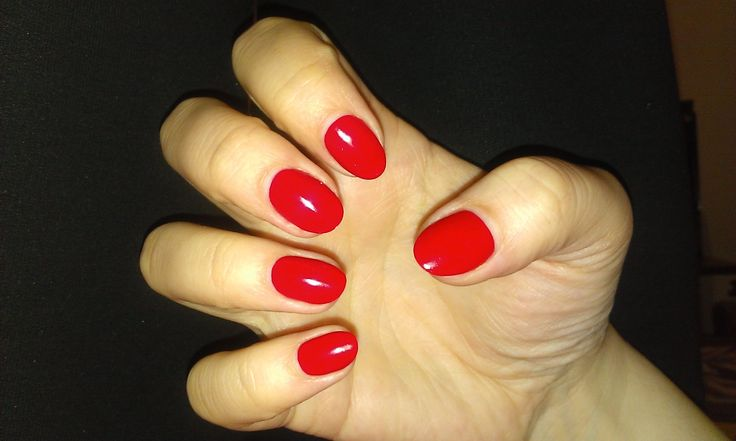 Red polish -lasted three weeks without any flaw