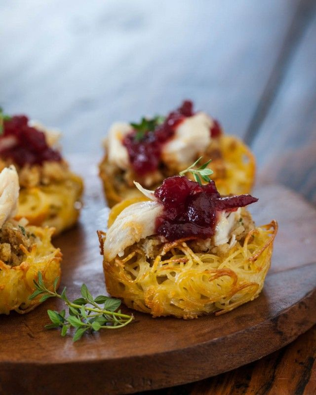Make easy pasta nests! For pre-Thanksgiving, use store-bought roasted turkey, canned cranberry sauce, Stovetop Stuffing. From SteamyKitchen.comCranberries Sauces, Pasta Nests, Food Ideas, Holiday Food, Christmas Appetizers, Recipe Ideas, Appetizers Ideas, Nests Recipe, Tofu Pastanest