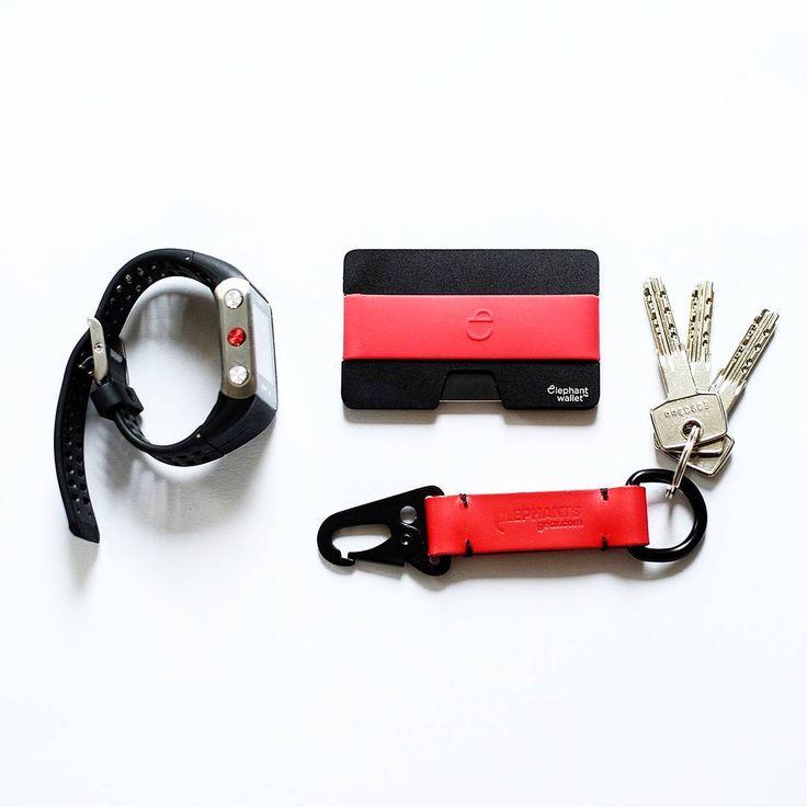 Polar v900 , black aluminium wallet, HK keychain