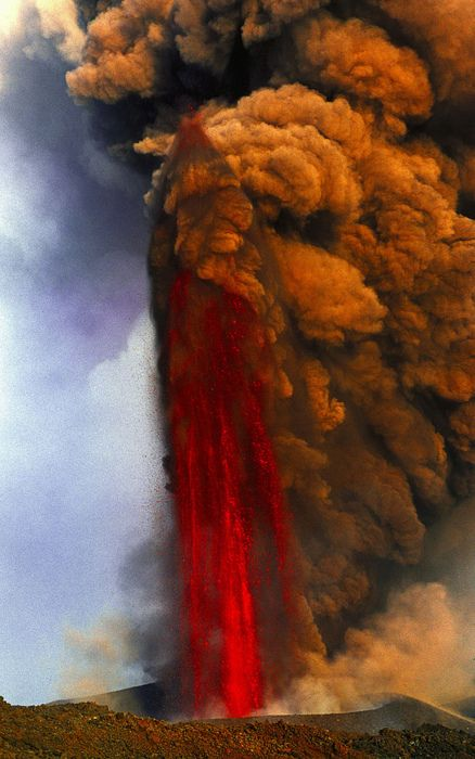 ✮ Lava fountain of Mt Etna volcano, Sicily