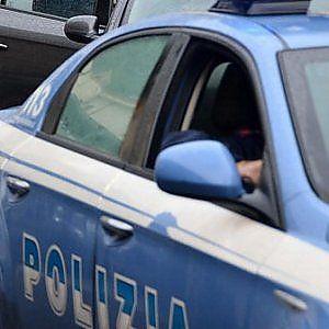Offerte di lavoro Palermo  L'uomo deve scontare una pena a cinque anni di reclusione. Ha tentato la fuga tra le strade di Borgo Vecchio  #annuncio #pagato #jobs #Italia #Sicilia Rapinatore arrestato dopo inseguimento per le vie del centro di Palermo