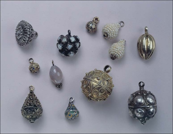 Buttons. Russians. North-West of the European part of Russia. 17th -18th centuries