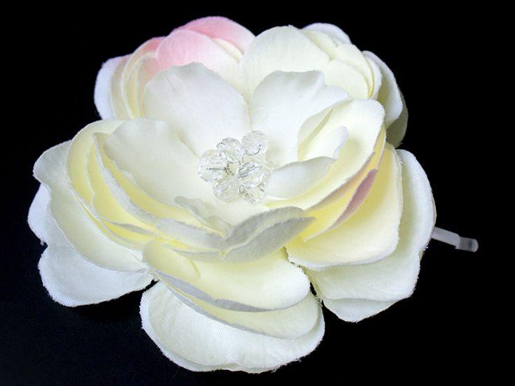 Haarblüte Haarclip / Haarschmuck für Bräute  von Lola White auf DaWanda.com