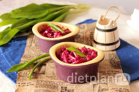Диетический салат из вареной свеклы