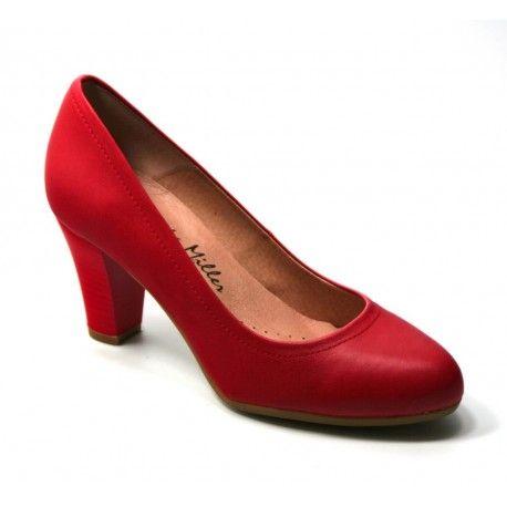 Zapatos de tacón rojos de Patricia Miller. Calidad y comodidad al mejor precio. Disponibles en http://www.calzadoseuropa.es/salones-y-mercedes/zapato-salon-en-piel-color-rojo-de-patricia-miller-51125.html