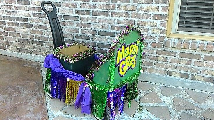 Mardi Gras wagon float!