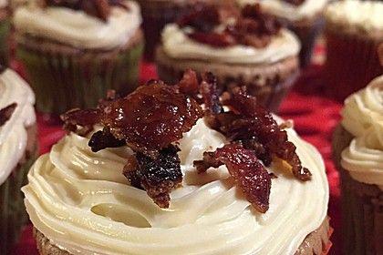 Schokoladen-Bier-Cupcakes mit Ahornsirup-Speck Frosting