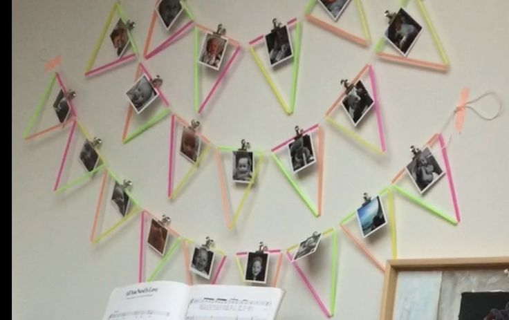 Verjaardagsslinger, feestslinger. Rietjes, touw en wat Washi tape om de slinger op de muur te plakken. Van de HEMA de leuke mobile me prints en de klemmetjes om de fotootjes aan de slinger te bevestigen. Tadaa en klaar!