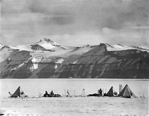 Campsite under the Wild Mountains, Antarctica, during the Terra Nova Expedition. December 20, 1911.