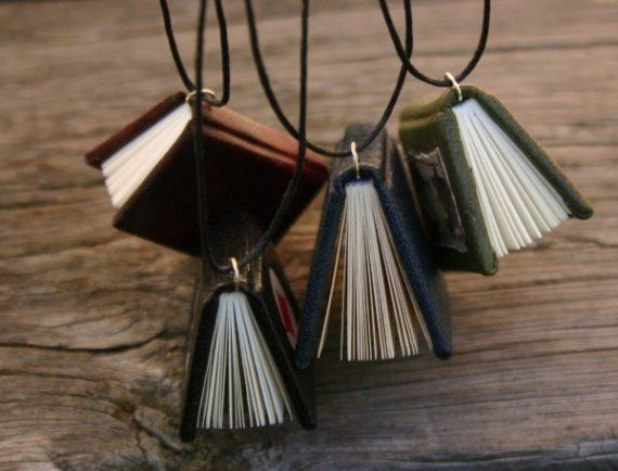Really cool gift for a book lover... or myself ;)