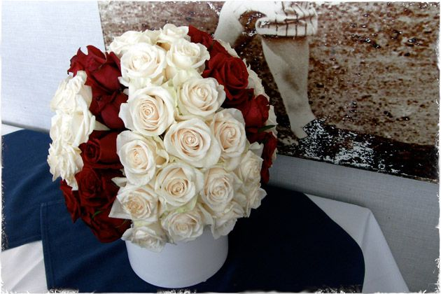Baseball Flower Centerpieces…cute thank you gift for the baseball moms who plan the fundraisers or step up to be team mom for the season. :)