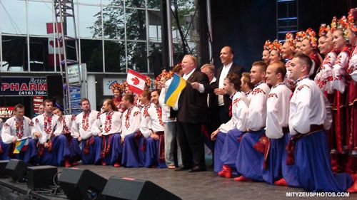 Toronto Mayor Rob Ford at the 2013 Ukrainian Street Festival poses with Barvinok dancers.