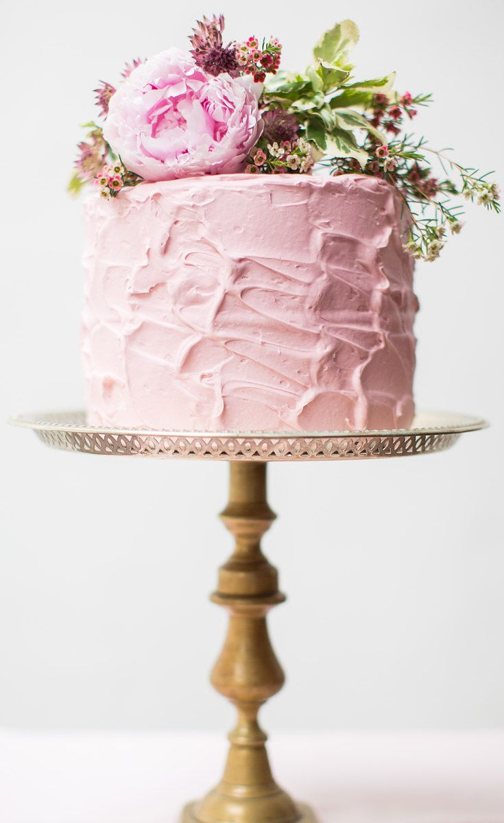 24 One-Tier Wedding Cakes That Prove That Less Is More - these look so delicious!!!!