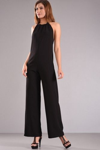 Φόρμα ολόσωμη με ανοιχτή πλάτη και δέσιμο στο λαιμό σε μαύρο χρώμα από κρέπ ύφασμα με μικρή ελαστικότητα.    Μεγέθη : Large  Χρώμα : Μαύρο  Σύνθεση : 96%PES 4%SP