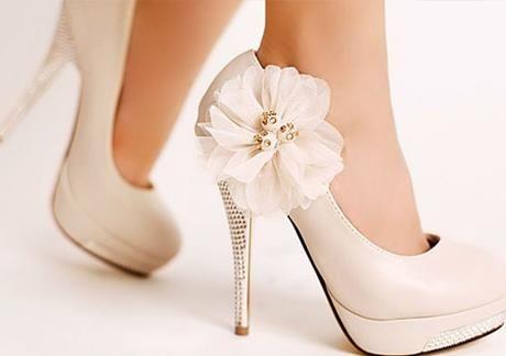 Свадебная обувь в свадебных салонах