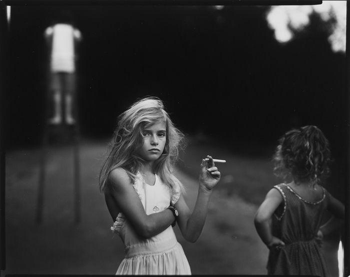 Конфеты-сигареты, 1989  Искусство американской фотографии