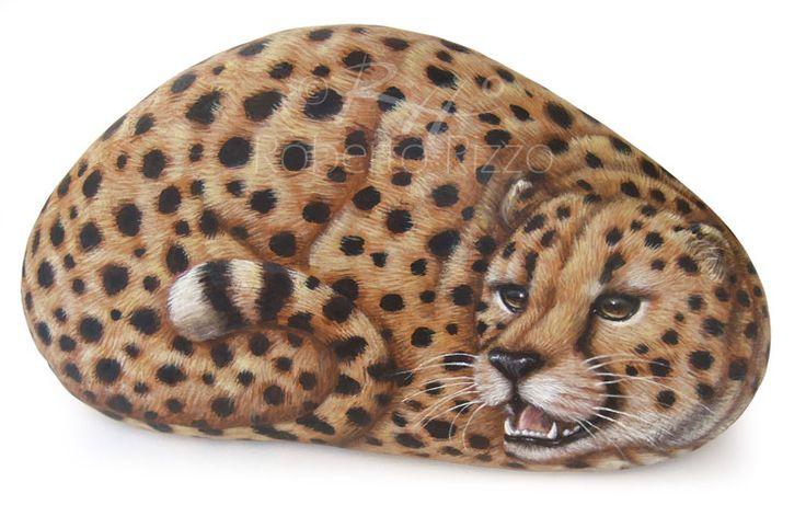 Cheetah - acrylic on rock | Rock Painting Art by Roberto Rizzo | www.robertorizzo.com