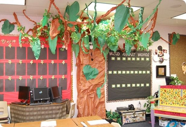 Jungle theme classroom. I LOVE this tree in the corner!