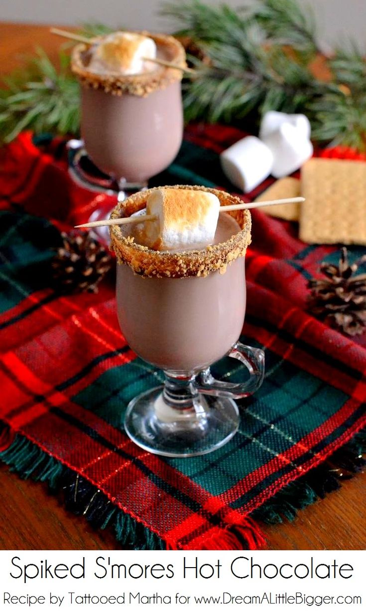 Keep warm this #holiday season: Spiked S'mores Hot Chocolate  #beverage #drink #winter