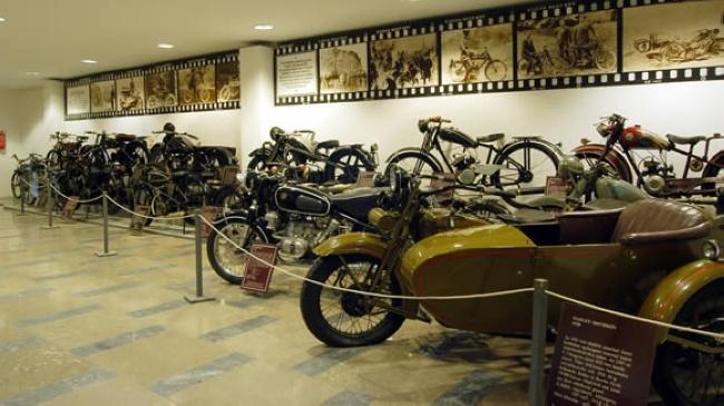 TRANSPORT MUSEUM  http://www.1hungary.com/kozlekedesi_muzeum/I202312/