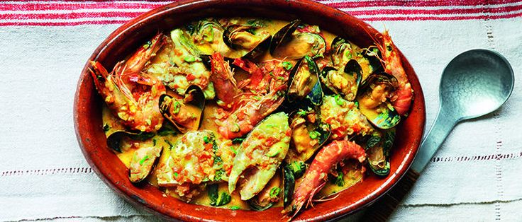 African fish curry recipe from Paul Merrett loaded with juicy mussels and prawns, tender fish and loads of African spices. A perfect light fish curry.