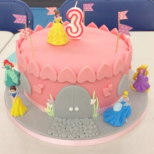 Happy birthday Maggie!! It was a real pleasure to make this Disney Princess Castle birthday cake. And to watch it be demolished and enjoyed.