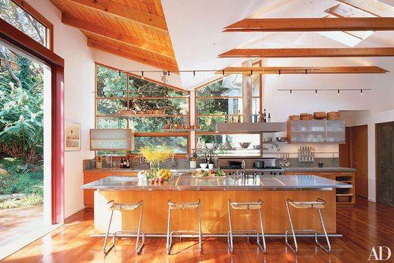 8 Stunning Kitchen Islands
