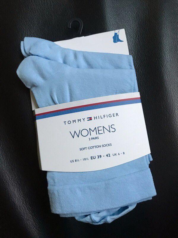 Moje 2 páry bledě modrých ponožek Tommy Hilfiger od Tommy Hilfiger! Velikost  za270 Kč. Mrkni na to: http://www.vinted.cz/doplnky/ponozky-podkolenky-a-puncochace/17585719-2-pary-blede-modrych-ponozek-tommy-hilfiger.