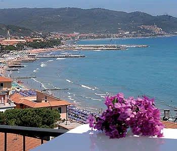 Diano Marina, Italia www.hotelmorchio.com