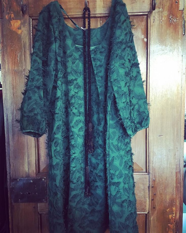 ..la fierezza del verde...#picoftheday #womenoutfit #womenfashion #alori1961 #dress #bonsui #greenmood #eleganceisanattitude #necklace #rushitaly #instagood #instalike #shoppingonline #shippingworldwide #www.alori.it #contactus #info@alori.it #milan #berlin #london #paris #moscow #newyork #aloriit #instamood #instashop #