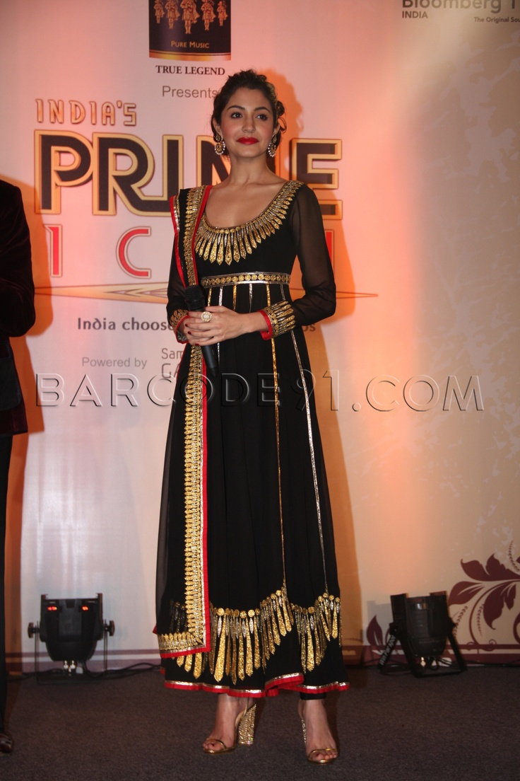 Anushka Sharma in gorgeous Abu Jani #Anarkali at BIG CBS PRIME's India's Prime Icon finale