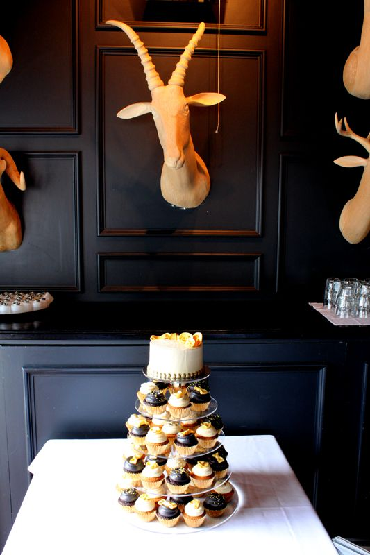 Black, white and gold cupcakes by Sweet Bakery & Cakery, Wellington, NZ (www.sweetbakery.co.nz)